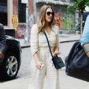 Jessica Alba – Leaving People Live in New York City