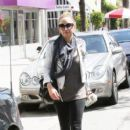 Nicole Richie is dressed down as she leaves a work out session in Los Angeles carrying a healthy looking green drink
