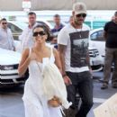 Eva Longoria: board a train in Malaga