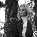 Jackie DeShannon - 454 x 464