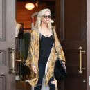 Ashlee Simpson – Shopping candids at Urban Outfitters in Los Angeles