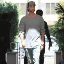 Patrick Schwarzenegger is spotted grabbing lunch with his Dad at Cafe Roma in Beverly Hills, California on March 28, 2017 - 427 x 600