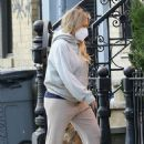 Hilary Duff – Looks casual whil out in New York