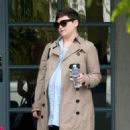 Ginnifer Goodwin is seen out and about while pregnant on March 3, 2016 - 454 x 593