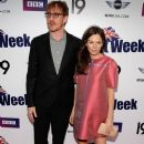 Anna Friel and David Thewlis - 381 x 594