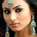 Actress Mouni Roy Pictures - 440 x 440