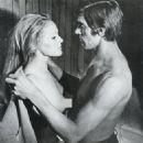 Ursula Andress and Fabio Testi - 454 x 524