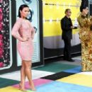 Demi Lovato At The 2015 MTV Video Music Awards - Arrivals - 454 x 303