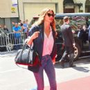 Gisele Bundchen – Arrives to the Carlyle hotel to get ready for Met Gala in NY