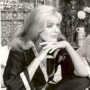 Melina Mercouri ILLYA DARLING 1967 Broadway Musical - 435 x 540