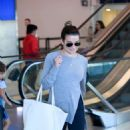 Lea Michele – Arrives at LAX Airport in Los Angeles - 454 x 757