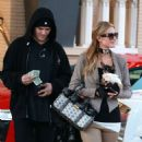 Paris Hilton – Shopping at Barneys New York in Beverly Hills - 454 x 581