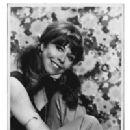 Elaine Giftos - 200 x 240