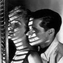 Janet Leigh and John Gavin - 378 x 500