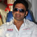 Sunil Shetty Pyar Do Pyar Lo Bus Launch