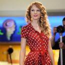 Taylor Swift's Rockin' Night At Jfk Airport