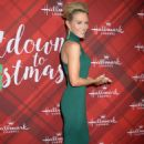 Nicky Whelan – 'Christmas at Holly Lodge' Screening in LA - 454 x 650