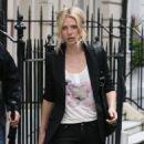 Gwyneth Paltrow - London Candids, 25.04.2008.