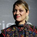 Marion Cotillard – Presenting The New Electric Car From Audi in 'The auto show' in Paris - 454 x 683
