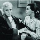 Charles Chaplin - 454 x 339