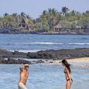 Megan Fox - Hawaii, 12-18-10 - 454 x 652