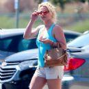 Britney Spears in Shorts – Heads to dentist in LA - 454 x 749