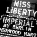 Miss Liberty - 454 x 347