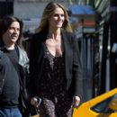 Heidi Klum spotted on the set of 'Ocean's Eight' in Los Angeles, California on March 6, 2017 - 411 x 600