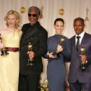 Cate Blanchett, Morgan Freeman, Hilary Swank and Jamie Foxx - The 77th Annual Academy Awards - Press Room (2005) - 454 x 353
