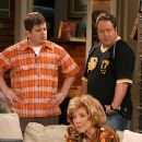 Patton Oswalt as Spence, Jenny O'Hara as Janet and Kevin James as Doug in CBS Television 'The King of Queens - 236 x 355