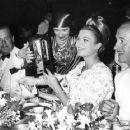 Grace Kelly and David Niven - 454 x 361