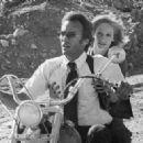 Clint Eastwood and Sondra Locke - 454 x 323