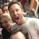 Laura Vandervoort and Michael Rosenbaum - 454 x 448