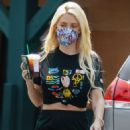 Holly Madison – Seen filling up her Rover in Los Angeles