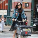 Famke Janssen – Riding a cargo bike in New York - 454 x 681