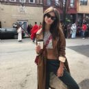 Emily Ratajkowski – Hot Social Media