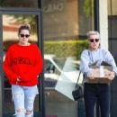 Kristen Stewart – Shopping in Los Feliz
