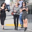 Robin Wright – Walk with her friends in West Hollywood - 454 x 325