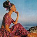 Marisa Berenson - 326 x 500