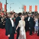 River Phoenix and Martha Plimpton At The 61st Annual Academy Awards (1989) - 300 x 200