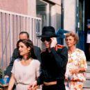 Michael Jackson and wife Lisa Marie Jackson - 454 x 693