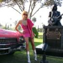 Linda  Pink Cadillac at Johnny Ramones Statue