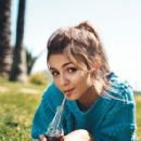 Victoria Justice Teen Vogue Magazine Pictorial September 2010 United States