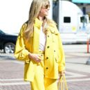 Heidi Klum – All yellow at America's Got Talent Finals
