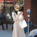 Jaime King takes a shopping trip on September 3, 2015 - 397 x 600