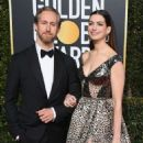 Anne Hathaway and Adam Shulman : 76th Annual Golden Globe Awards - 454 x 556