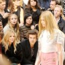Cara Delevigne and Harry Styles - 454 x 572