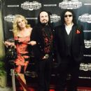 Gene Simmons and Shannon Tweed - 454 x 454
