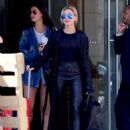Hailey Baldwin – Spotted catching an early morning flight in NYC - 454 x 583