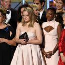 Elisabeth Moss : 69th Annual Primetime Emmy Awards - 454 x 302